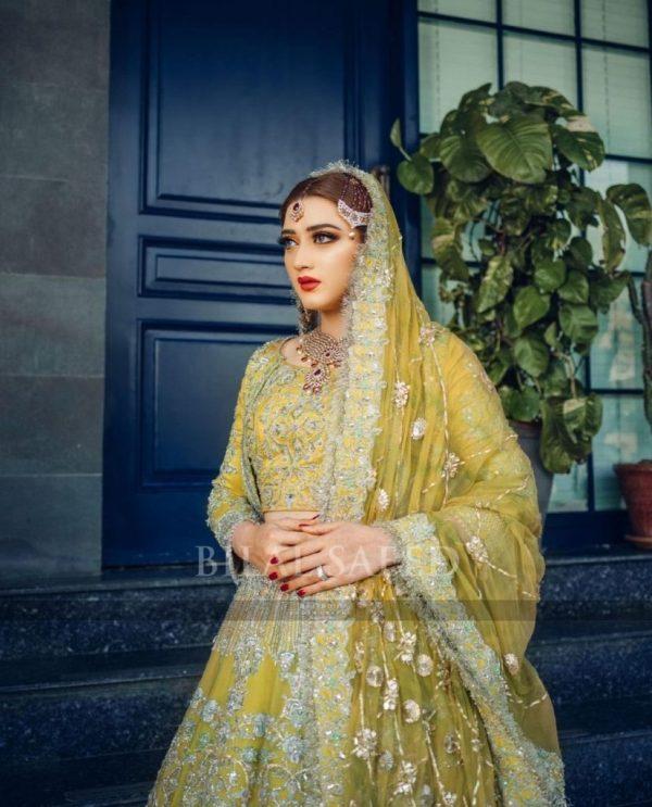 Hot Photoshoot Of Momina Iqbal In Her Latest Bridal Shoot