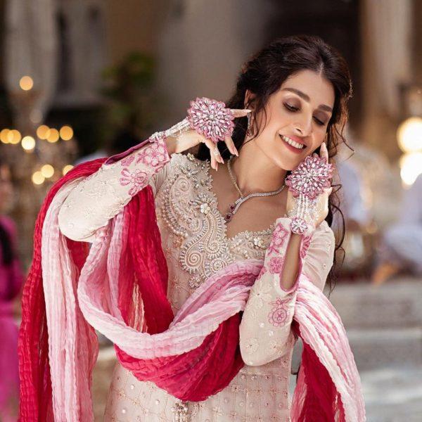 Ayeza Khan Is a Diva Dreamy Shoot For Dastaan By Mushq