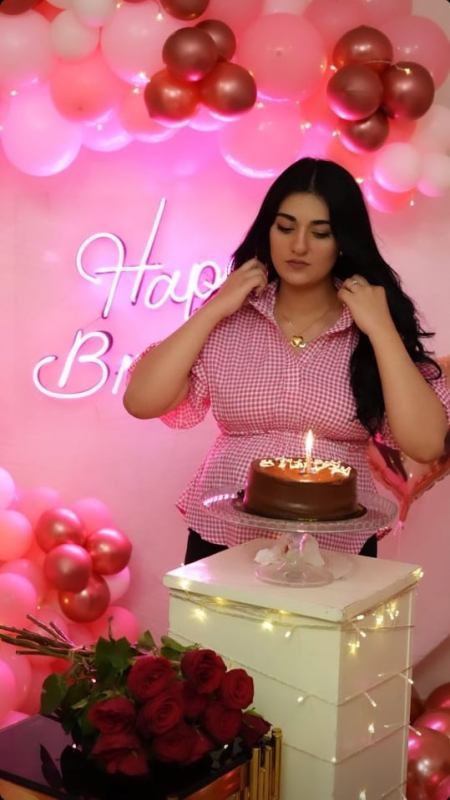 Mommy To Be Sarah Khan Looks Adorable On Her Birthday