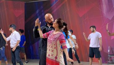 HSY Is All Geared Up To Set The Stage On Fire with Resham