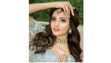 Hot Bridal Collection Of Zuria Dor Featuring Zarnish Khan