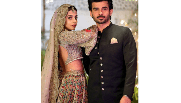 Fahad Sheikh And Yashma Gill Absolute Hot Posing