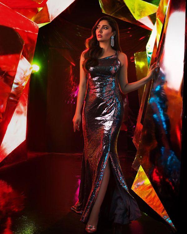 Mahira Khan revs up her Fashion Game from Pilot to Gossip Girl