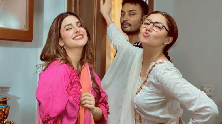 Kubra Khan Pass Interesting Comments About Mahira Khan