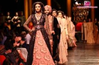 Grand Fashion Show By Sabyasachi