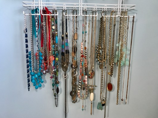 long necklace organization