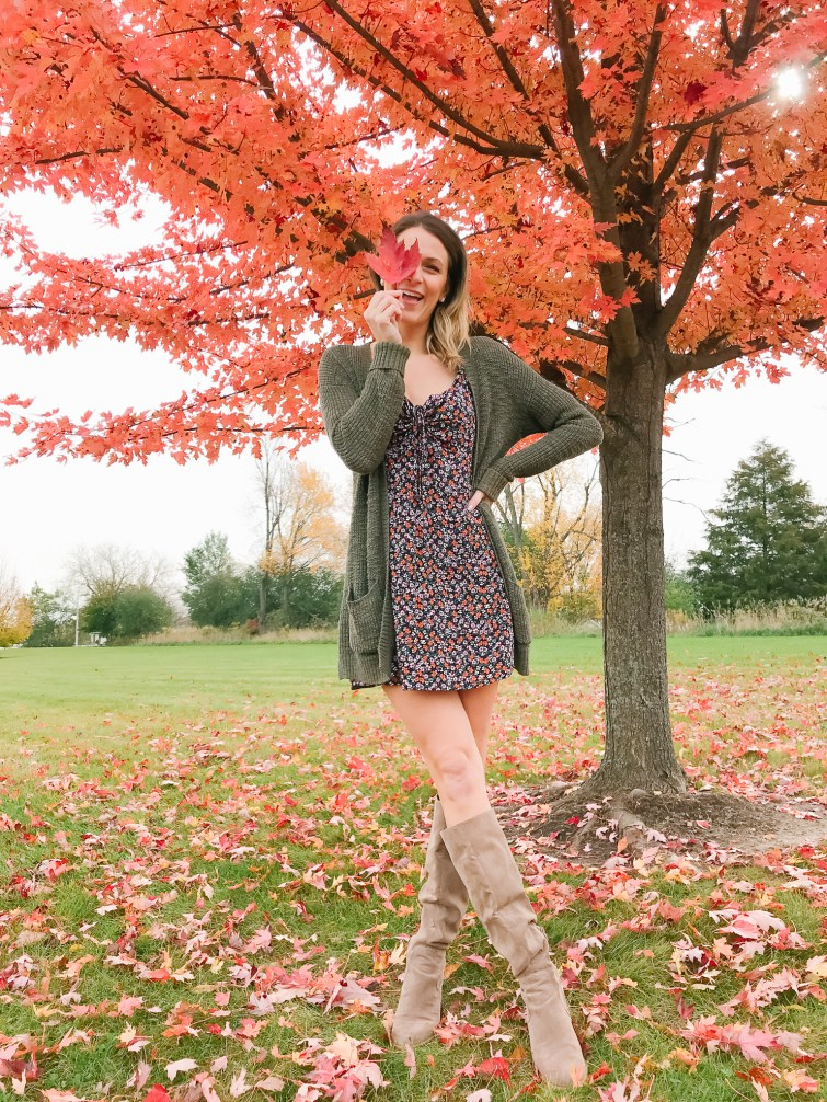 How to wear a dress in the Fall