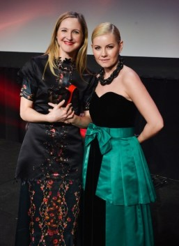 Canadian-Arts-Fashion-Awards-2014-Emerging-Talent-Award-winner-Sarah-Stevenson-and-Elisha-Cuthbert