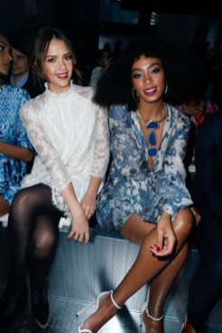 hm-fashion-show-jessica-alba-wearing-hm-solange-knowles-wearing-hm