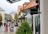 la-vallee-village-designer-outlets-paris-2