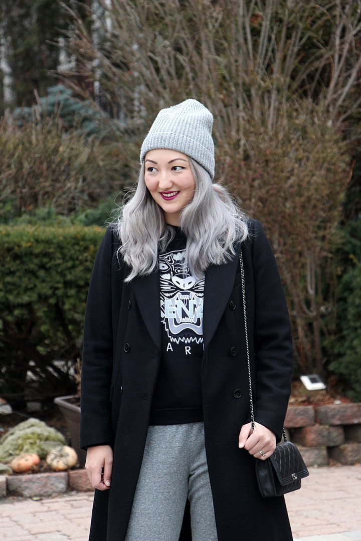 grey-hair-toque-sweatpants-kenzo-sweatshirt-7