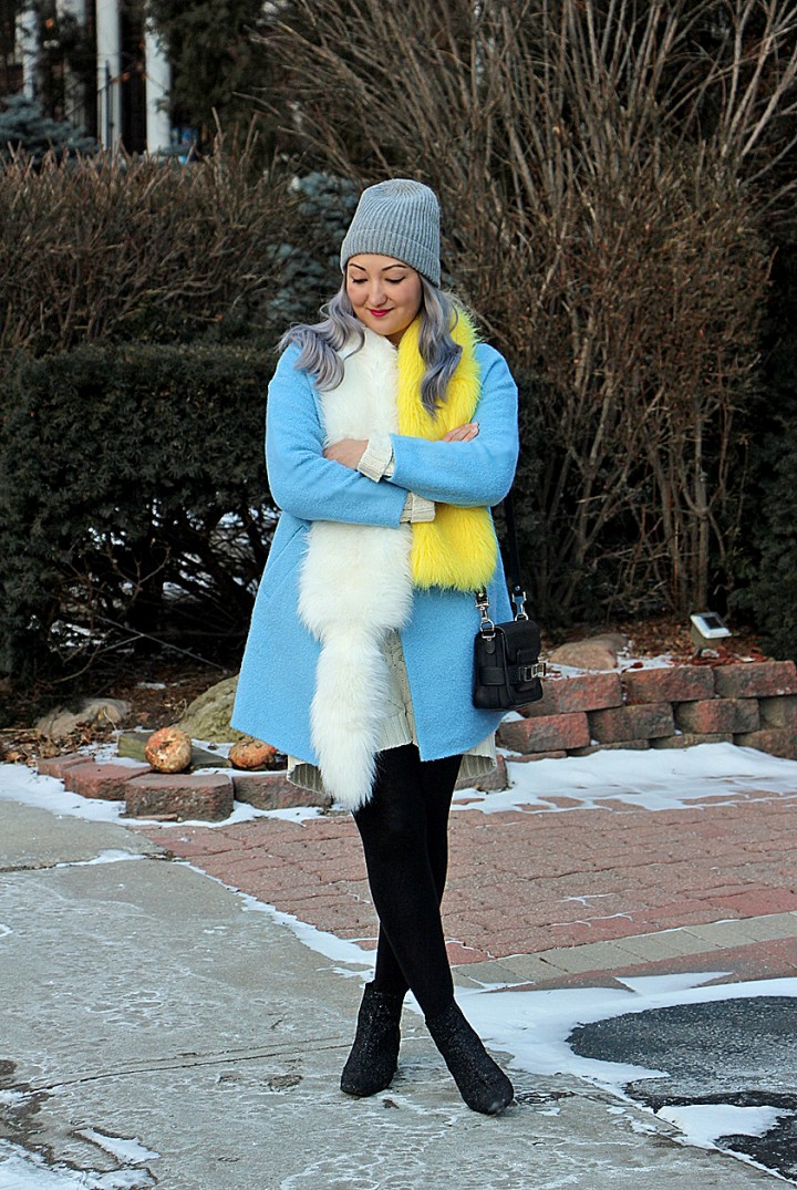 blue-coat-prada-fur-stole-silver-hair-5