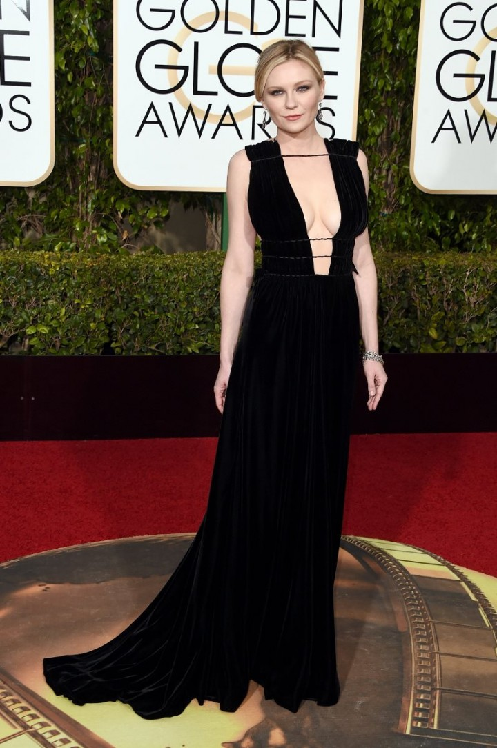 Golden-Globes-2016-Kirsten-Dunst-Valentino