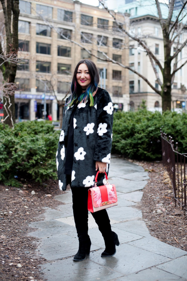 toronto-fashion-week-street-style-2016-daisy-faux-fur-coat-rainbow-hair3