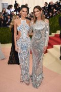 Met-Gala-2016-Cindy-Crawford-Kendall-Jenner-Balmain-Dress