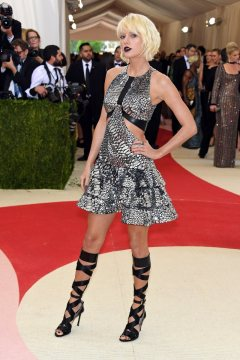 Met-Gala-2016-Worst-Dressed-Taylor-Swift