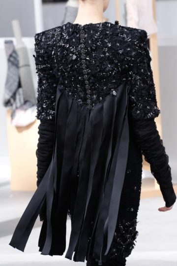 chanel-haute-couture-fall-2016-details8