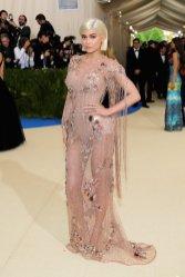 Met-Gala-2017-Kylie-Jenner-Versace