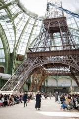 chanel-fall-2017-haute-couture-eiffel-tower