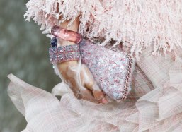 Chanel-Spring-Summer-2018-Collection-clutch
