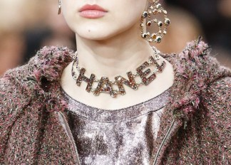 chanel-fall-winter-2018-collection-necklace