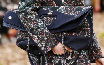 chanel-fall-winter-2018-collection-tote-5