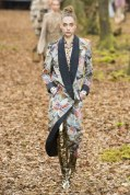 chanel-fall-winter-2018-leaf-print-coat