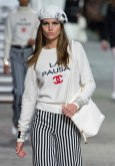 chanel-resort-2019-la-pausa-cruise-cc-sweatshirt-2