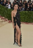 met-gala-2018-zoe-kravitz-saint-laurent