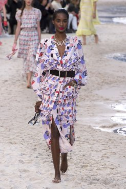 chanel-spring-2019-by-the-sea14