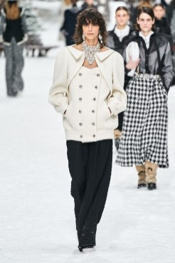 chanel-in-the-snow-fall-2019-collection3