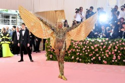 met-gala-2019-billy-porter-the-blonds
