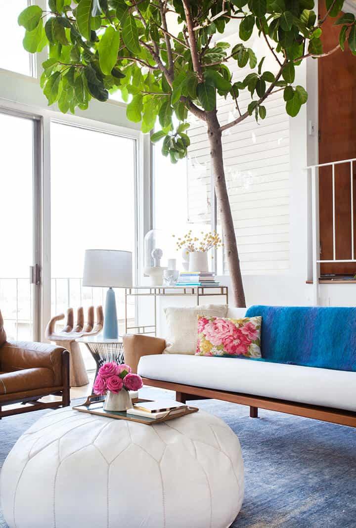Bright_Blue_Modern_Living_Room
