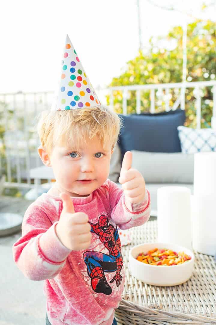 Decorations_Blue_Gold_White_Spiderman_Emily Henderson_Boys Birthday9