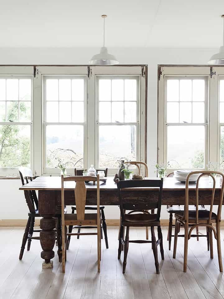 Kitchen Trends_Emily Henderson_Windsor_Shaker_Farmhouse_Mismatched Chair1