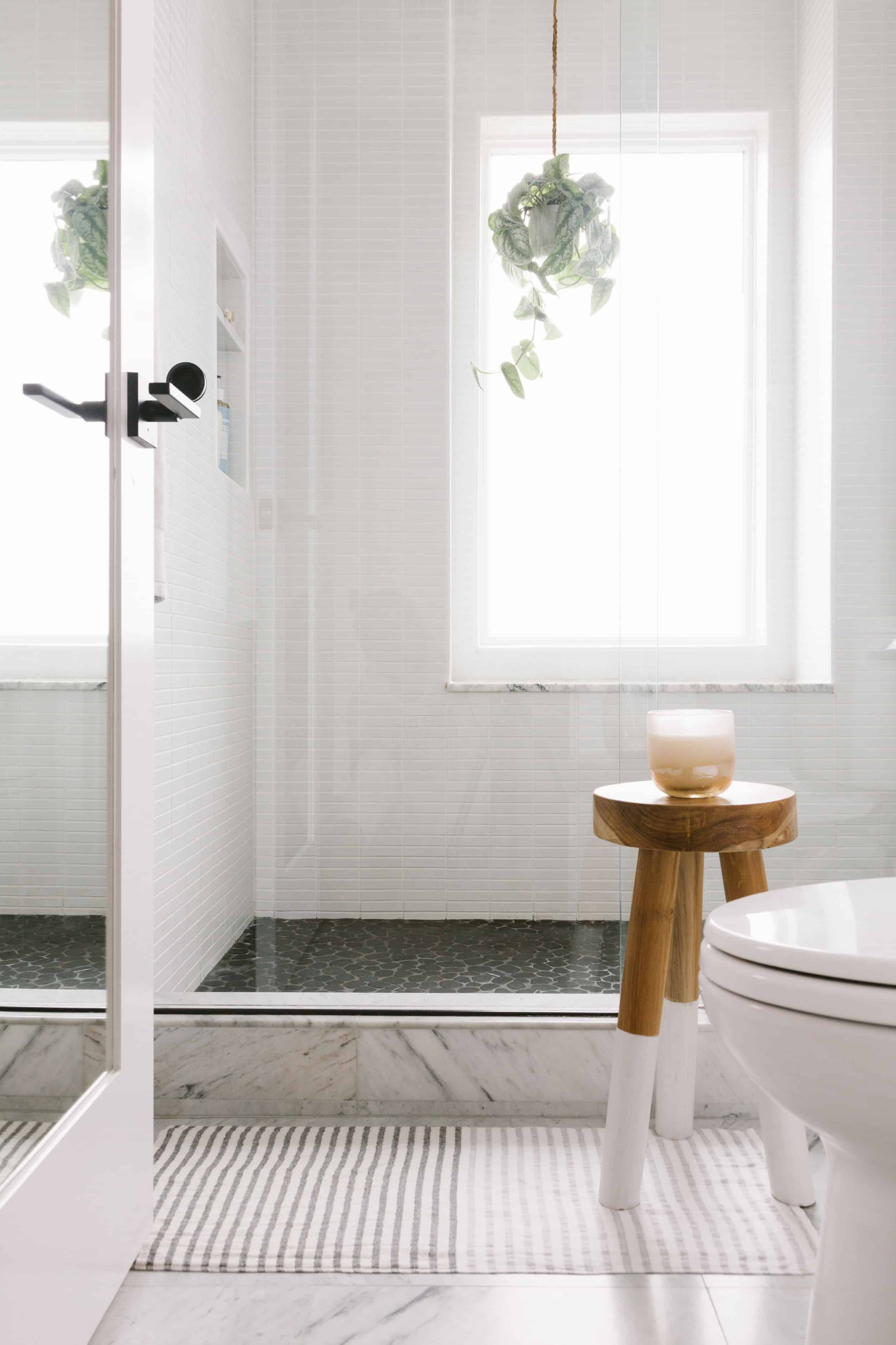 Samantha Gluck Emily Henderson Bathroom Black Pepple Floor Marble Floor Tile