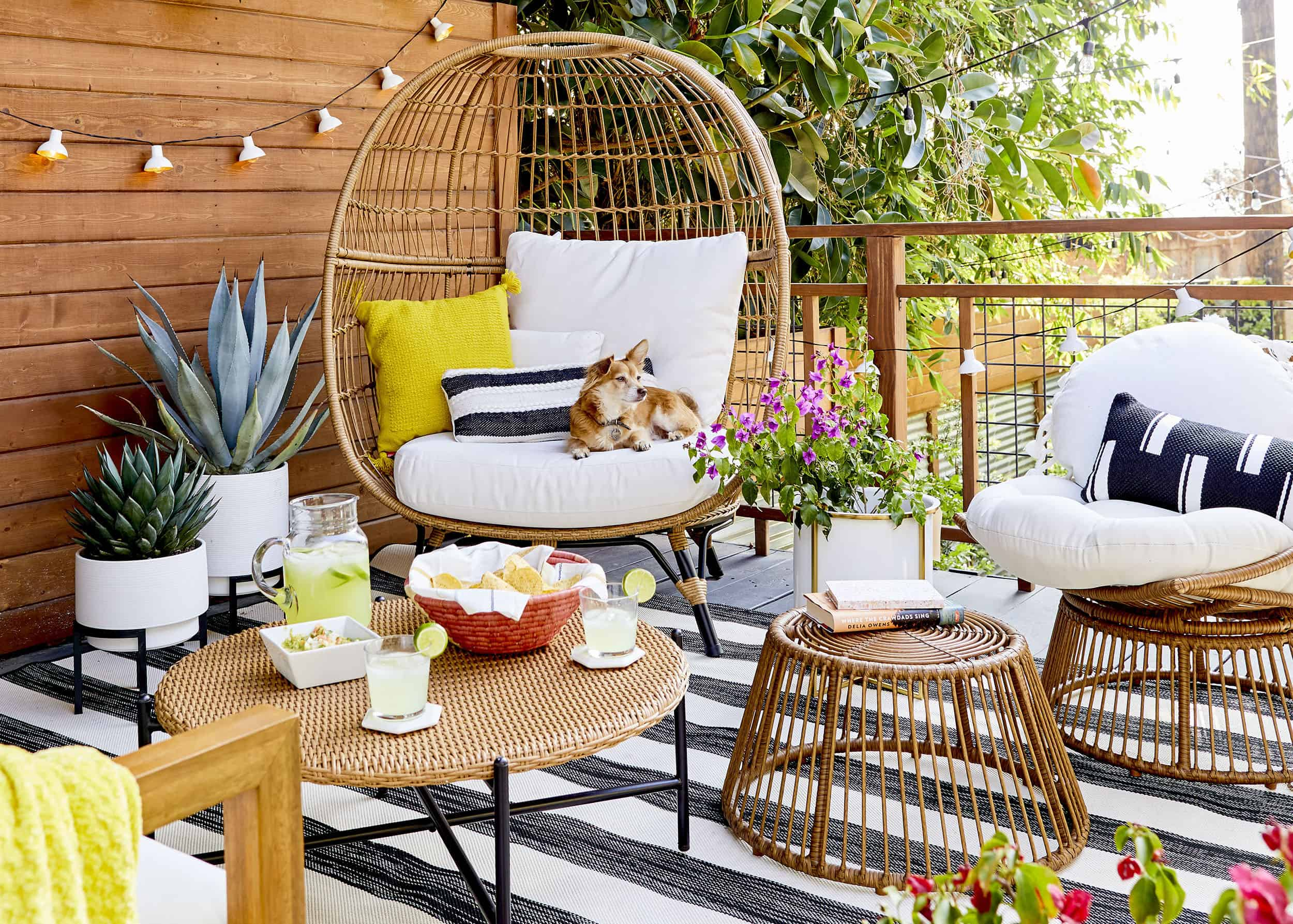 how to style out your outdoor space so