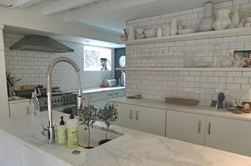 ltk-kitchen-back wall