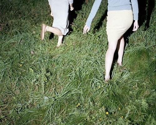 Anastasia-Caabon-legs-in-grass