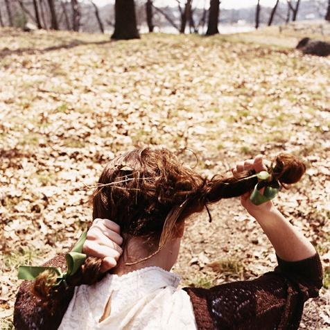 Anastasia-Caabon-pulling-braids