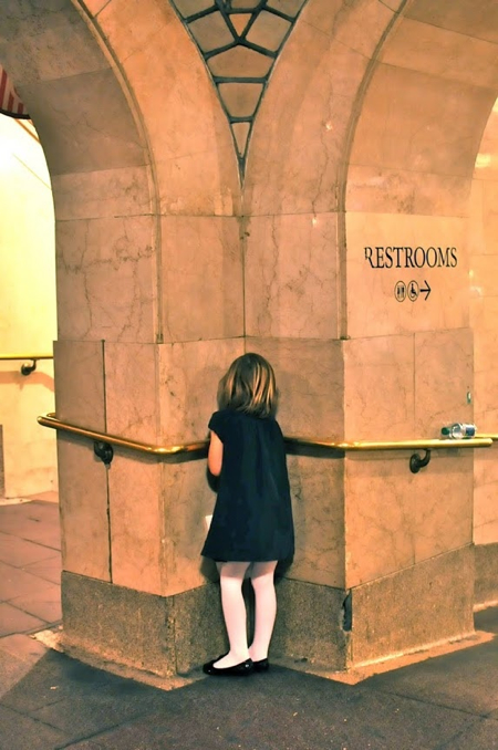 little-girl-in-grand-central-station-joanna-goddard-cup-of-jo