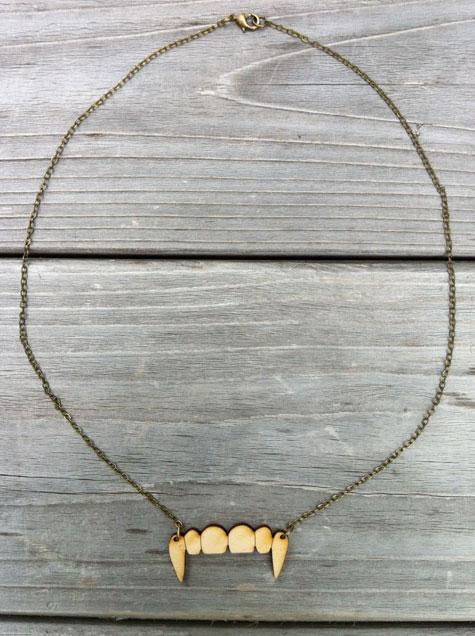 vampire-teeth-necklace