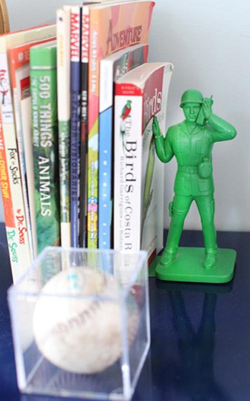 boys-bookshelf-soldier-bookend