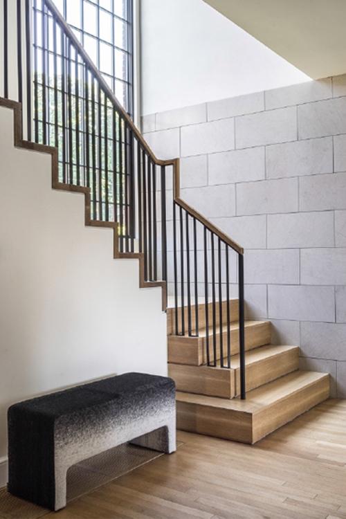 hacin-entry-stairway-2