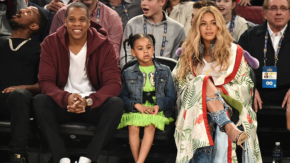 https stylecaster com blue ivy big sister beyonce twins