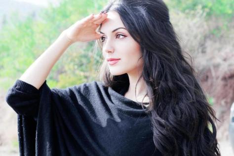 Aisha Linnea Akhtar sexy Height, Weight, Age, Body Measurement, Wedding, Bra Size, Husband, DOB, instagram, facebook, twitter, wiki