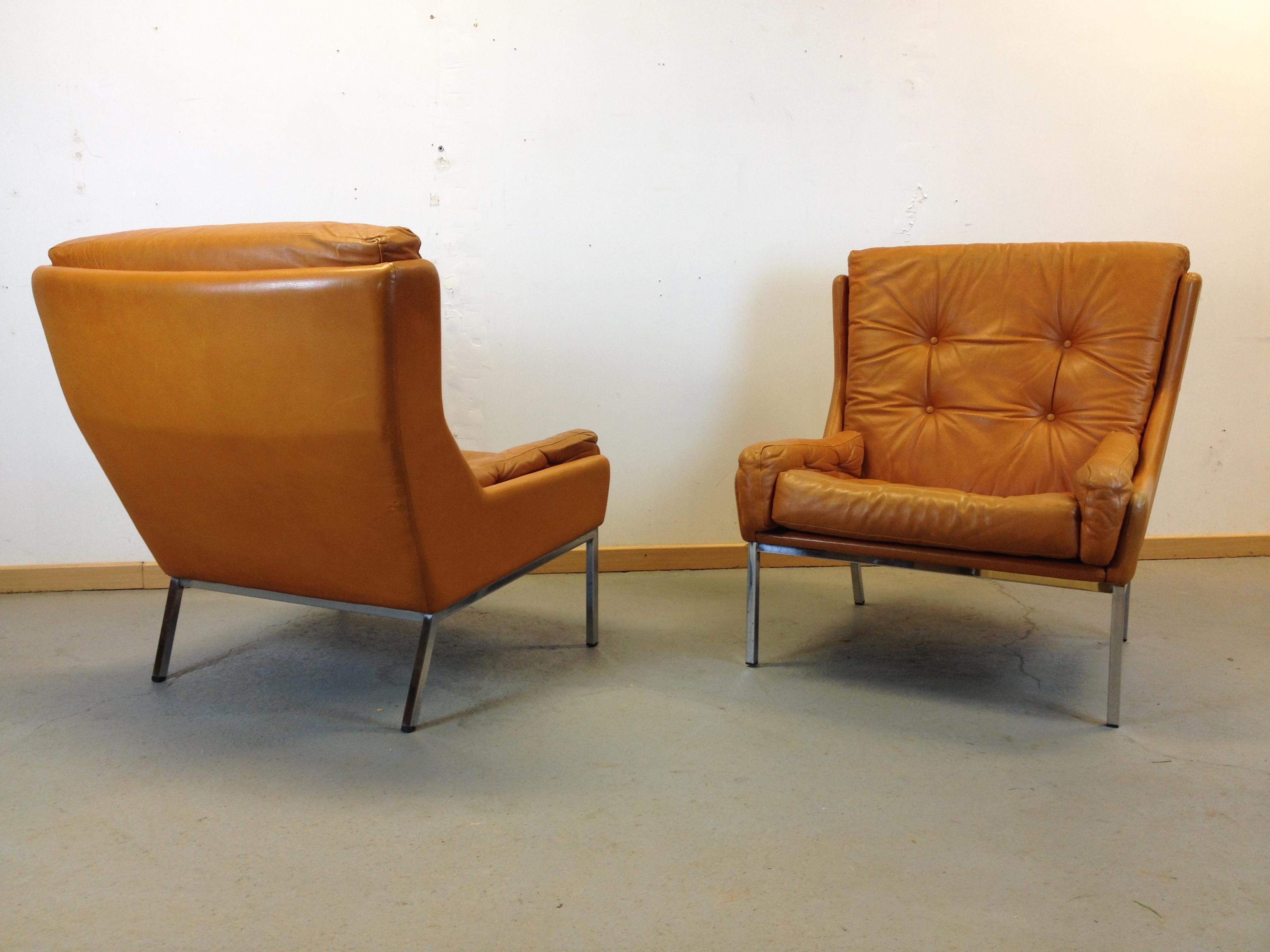 paire fauteuils scandinave cuir annee 70