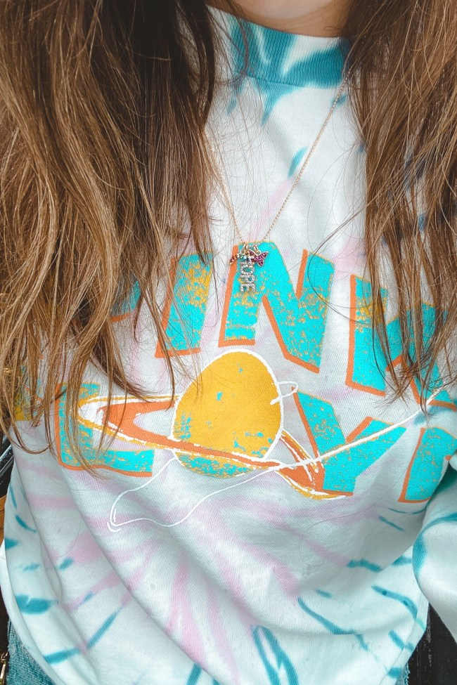 daydreamer pink floyd tie dye shirt with hope necklace