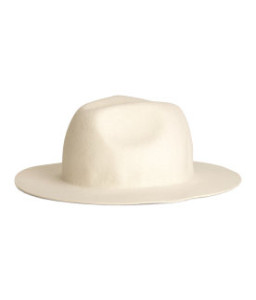 PREMIUM QUALITY. Hat in felted wool.100% wool. Dry clean only $24.95