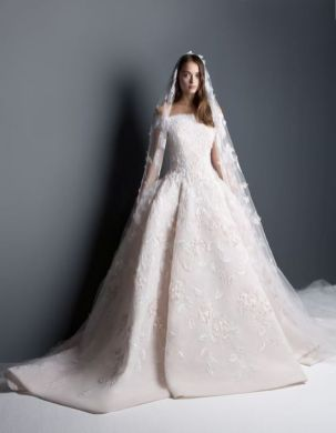 20+Collection of The Most Popular Wedding Dresses at The Moment Ideas 9